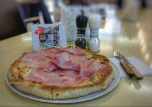 pizza cu prosciuto